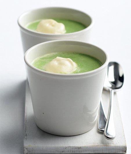 Hrášková polévka s bazalkou