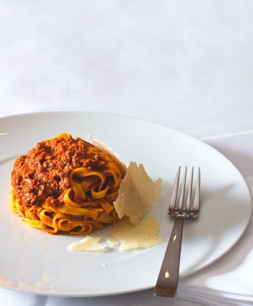 Velká debata o boloňské omáčce