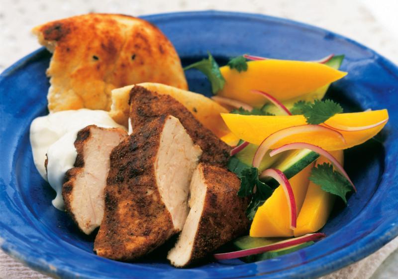 Indické kuře s mangovým salátem