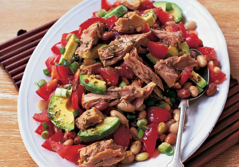 Mexický salát s tuňákem a fazolemi