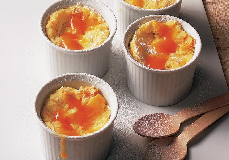 Tvarohové suflé s mangem a ovocnou omáčkou