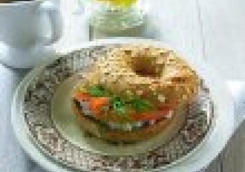 Opékaný chleba s cottage pomazánkou