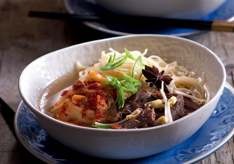 Polévka z hovězího žebra s kimči