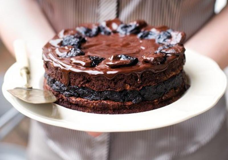 Čokoládový dort se švestkami a armagnacem