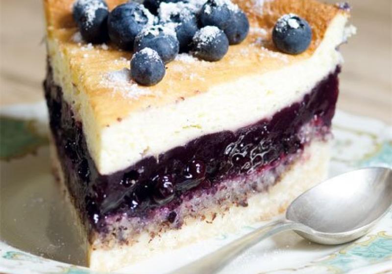 Borůvkový dort se zakysanou smetanou