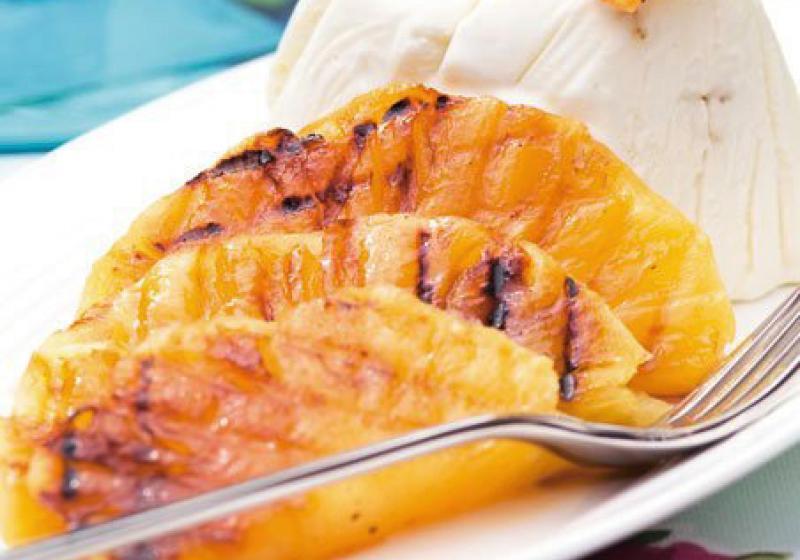 Grilovaný ananas se zmrzlinou
