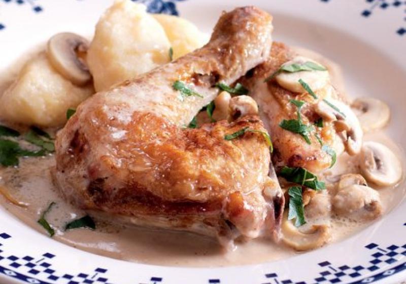 Kuře na pivě s krupicovými noky