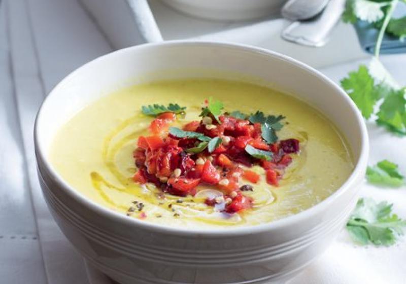 Krémová kukuřičná polévka s paprikami