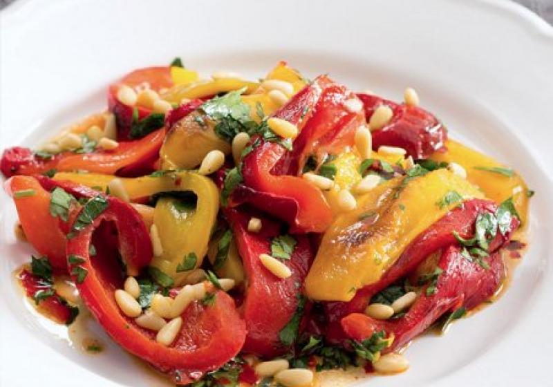 Salát z paprik z grilu
