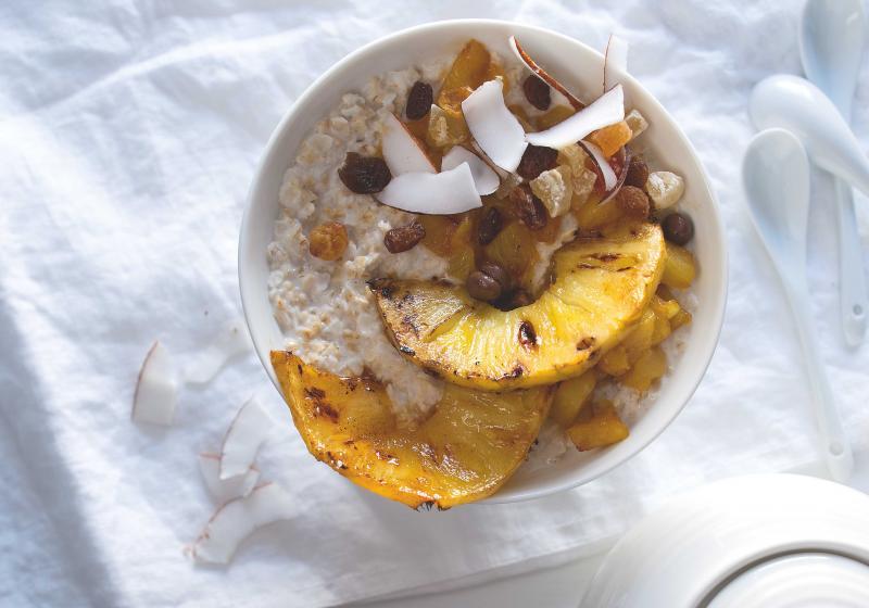 Blesková kaše s ananasem a kokosem