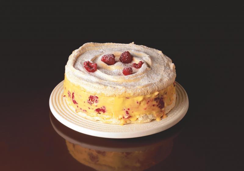Pusinkový dort s mangem a malinami