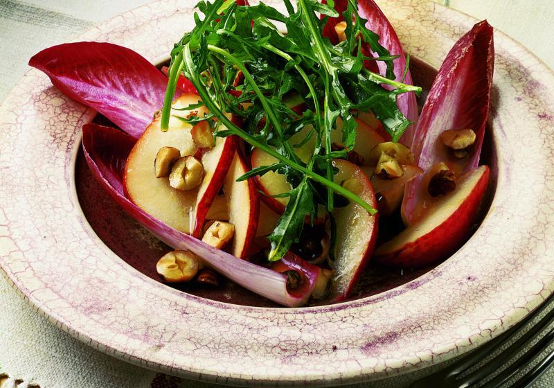 Salát z červené čekanky a hrušek