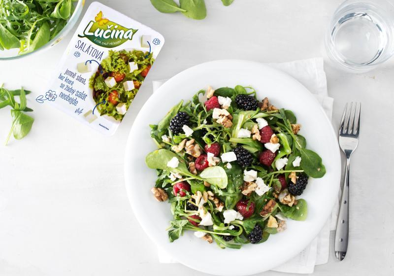 Salát s lesním ovocem a Lučinou salátovou