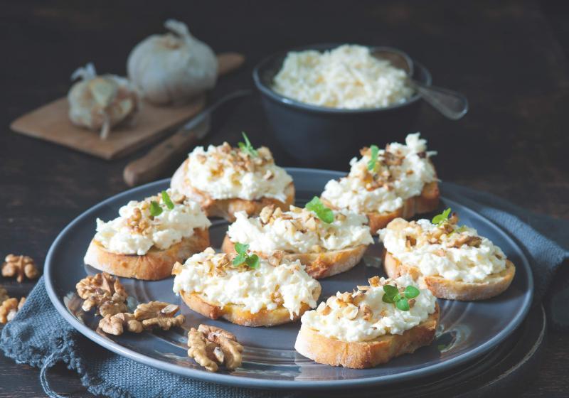 Česnekové chlebíčky a dokonalé jednohubky