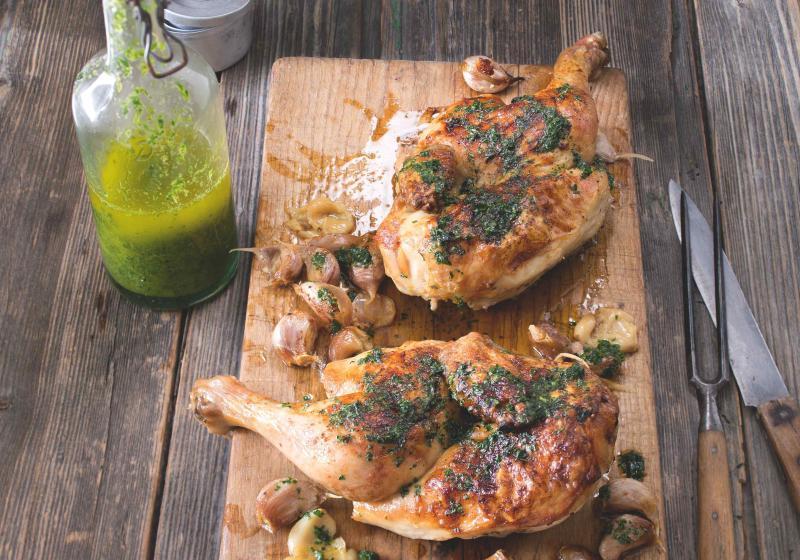 Česnekové kuře s rukolovou zálivkou