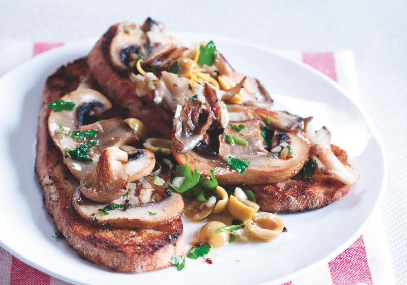 Chleba s houbami a olivovou gremolatou