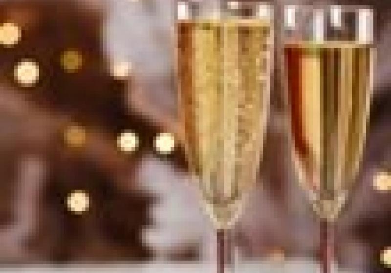 Zahradní party a šampaňské