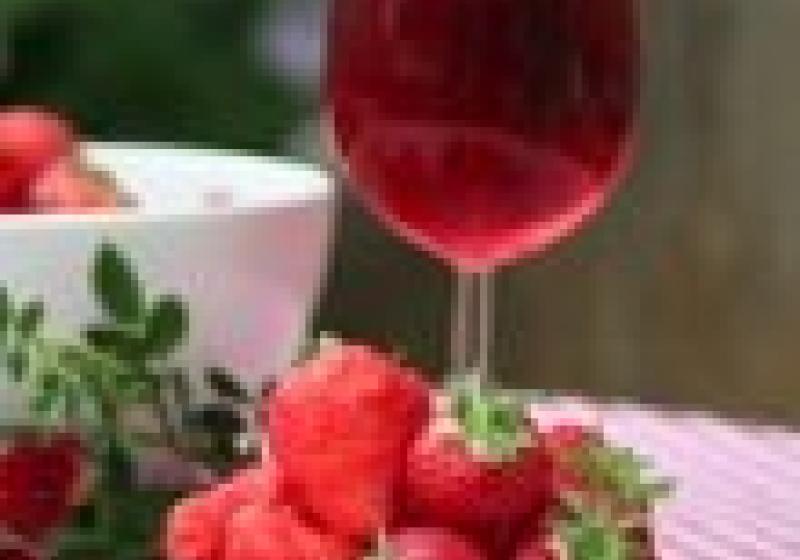 Jahody a růžová vína