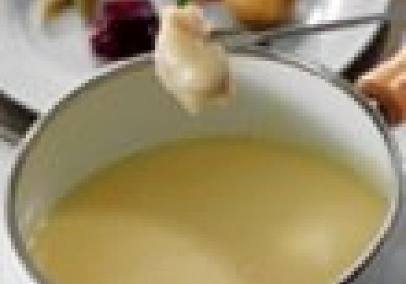 Raclette a fondue na zahrádce