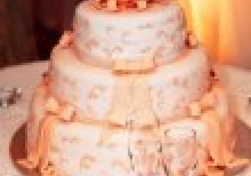 Kolik by měl stát váš svatební dort?