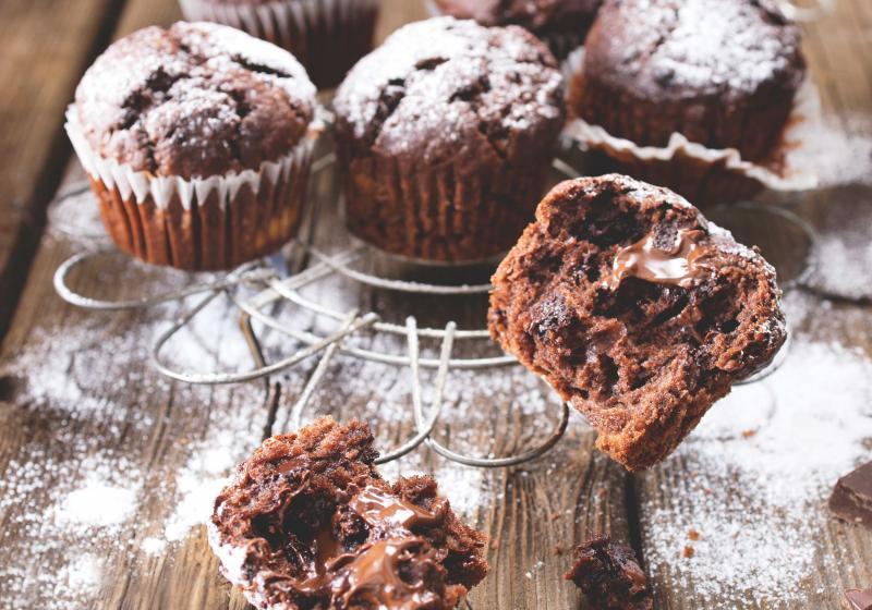 Čokoládové muffiny s banánem a kokosem