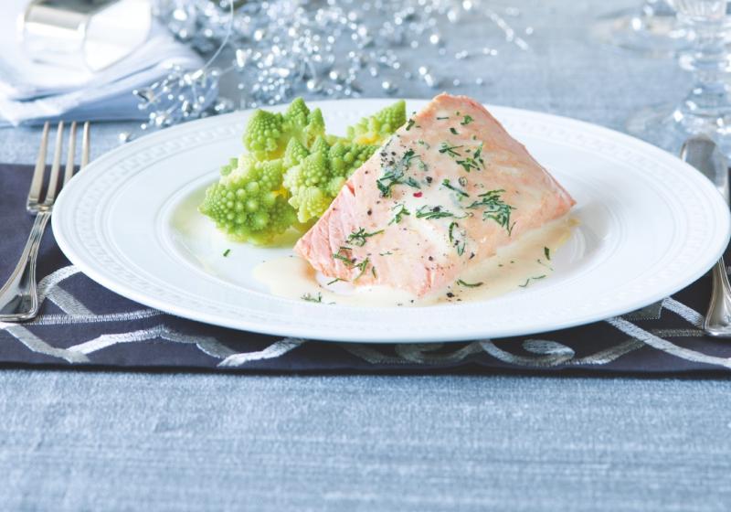 Filet z lososa se šampaňskou pěnou & romanesco