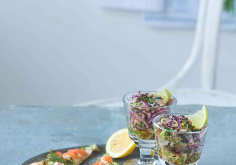 Salát à la ceviche z nakládaných ryb