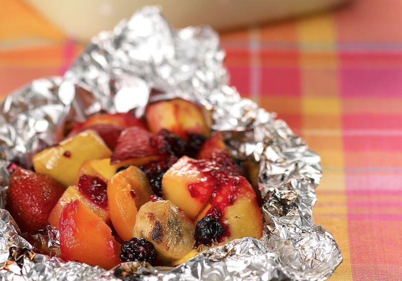 Grilované ovocné balíčky