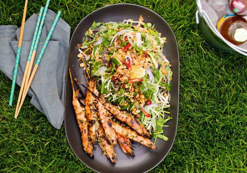 Grilované krevety s nudlovým salátem