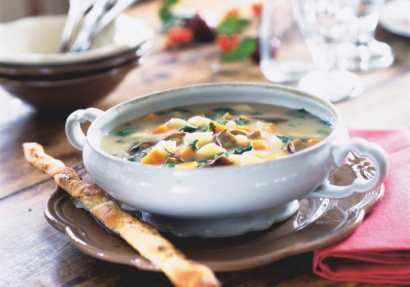 Hustá polévka s houbami