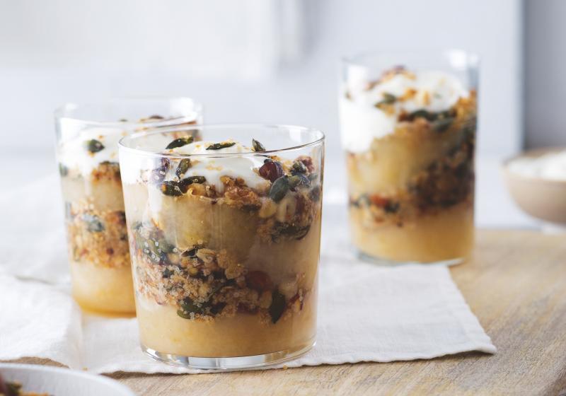 Jablečná svačinka (granola s jablečným pyré)