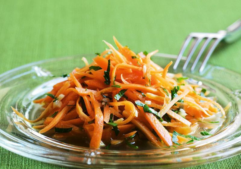 Karotkový salát po francouzsku