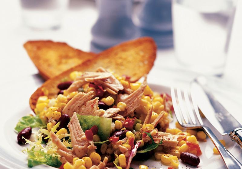 Kukuřičný salát s tuňákem