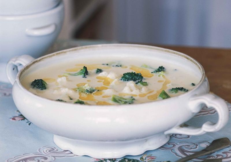 Květákovo-brokolicová polévka