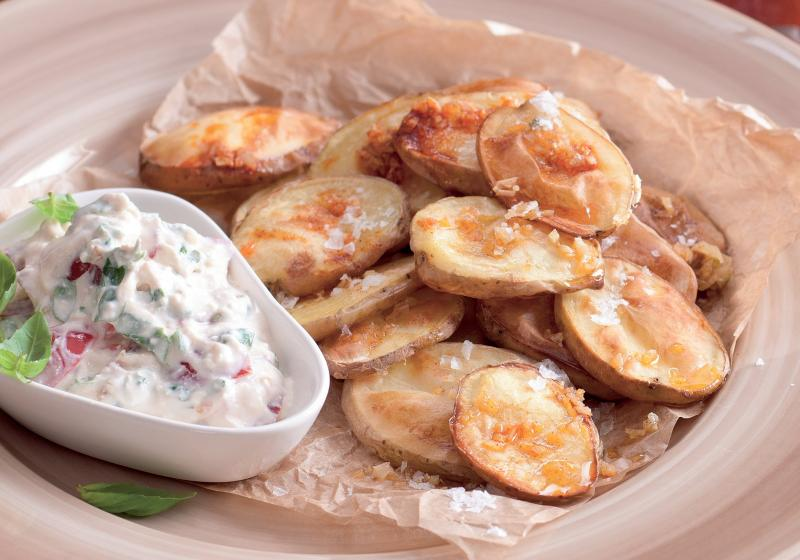 Pečené brambory s omáčkou z fety