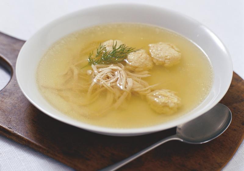 Knedlíčková kuřecí polévka