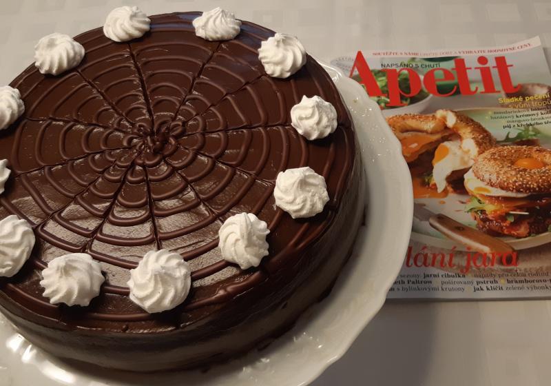 Bezlepkový dort s avokádovo-banánovým krémem k 15.narozeninám Apetitu