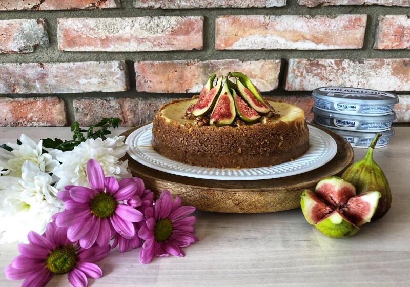 Fíkový cheesecake s medem a vlašskými ořechy