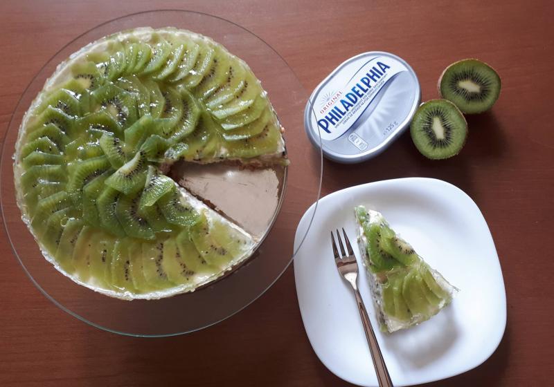 Gaštanový cheesecake s kiwi