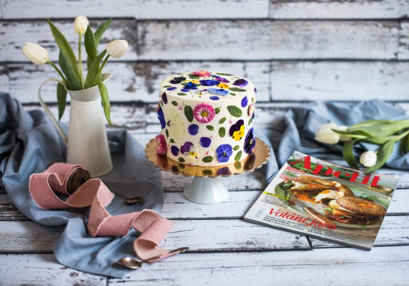 Ořechovo-mandlový dortík s domácím lemon curd a mascarpone krémem k 15. narozeninám Apetitu