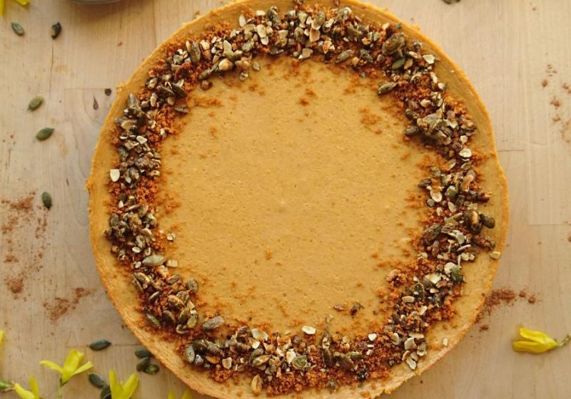 Spicy dýňový cheesecake s karamelovými sušenkami