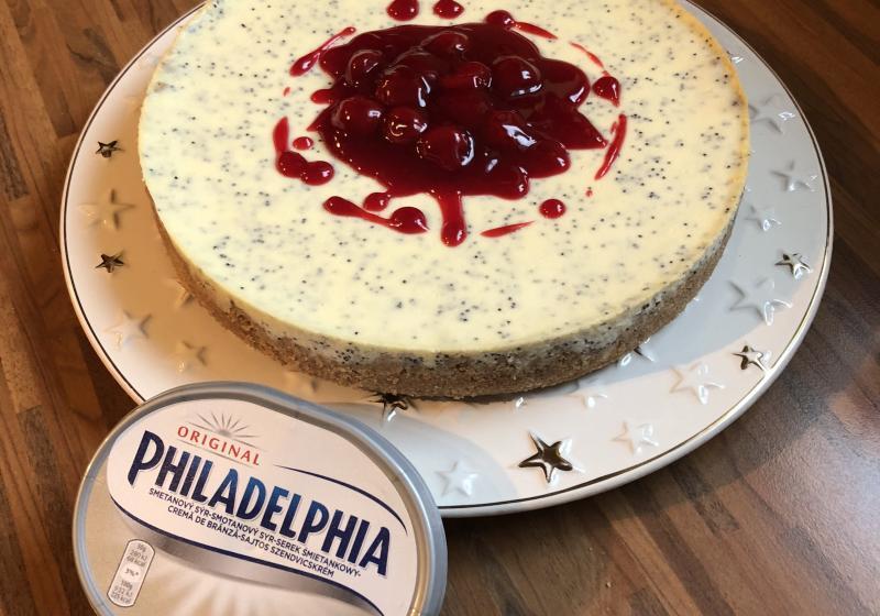 Makový cheesecake s višňovou polevou