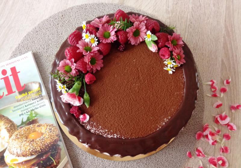 Čokoládovo-malinový narozeninový dort