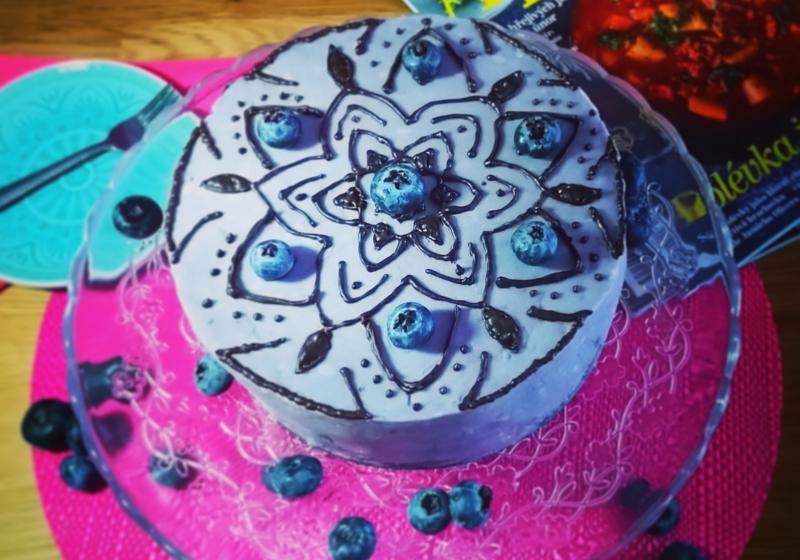Lehký piškotový dort