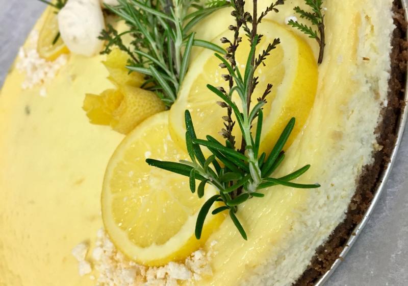 Rozmarýnovo-citrónový cheesecake
