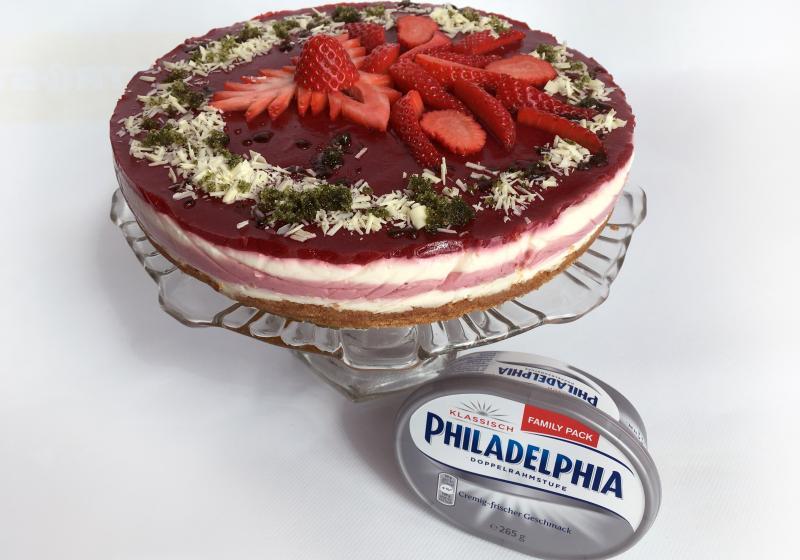 Jahodový cheesecake s perníkem a mátovým cukrem