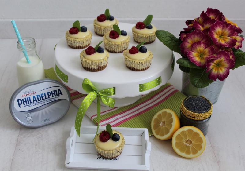 Makové mini cheesecakes se smetanovým lemon curd