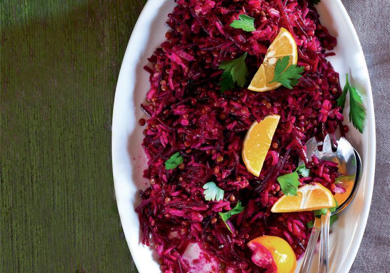 Rýžovo-čočkový salát s červenou řepou