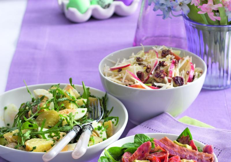 Avokádový salát s rajčaty a slaninou