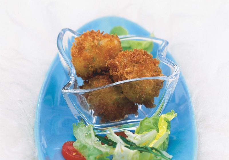 Smažená mozzarella na listovém salátu
